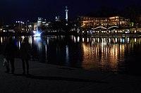 03 2019 photo Paolo Villa - F0197973 - Budapest - Városligeti - laghetto - Monumento del millennio - notte - luci.jpg