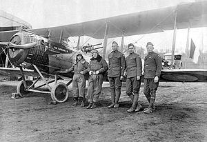 Chailly-en-Brie Aerodrome - 12th Aero Squadron pilots and a Salmson 2A2 reconnaissance aircraft, 1918