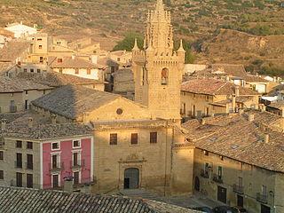 151 Ambista d'a ilesia de Santa María d'Uncastiello dende a ilesia de San Chuan
