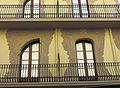 184 Casa Grego (Tortosa), detall de la façana.JPG