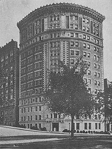 Il Colosseo, costruito dai Fratelli Paterno nel 1910
