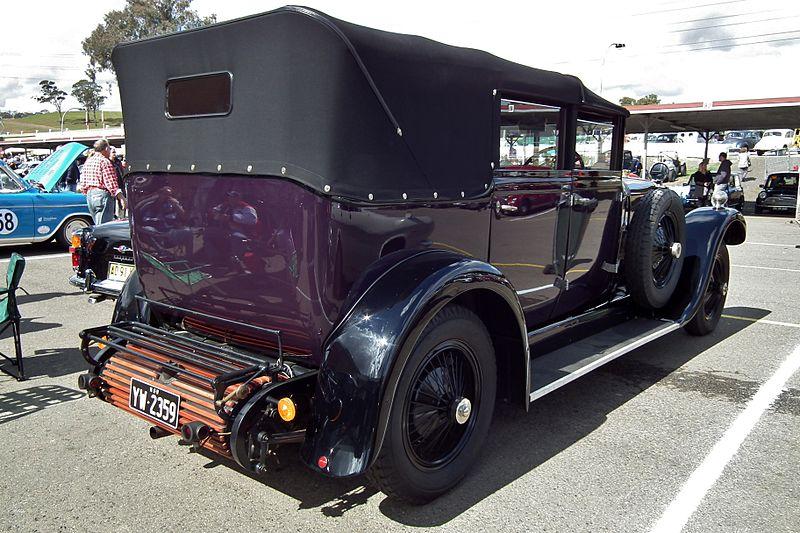 File:1928 Daimler 35-120 landaulet (6102441751).jpg