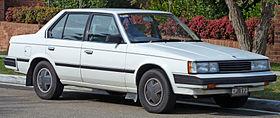 1983 Toyota Corona (ST141) CS-X sedan (2010-07-21) 01.jpg