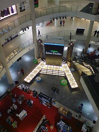 1st Avenue Mall - Interior of 1st Avenue Mall