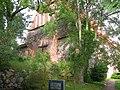 20040624560DR Hohenmocker Kirche mit freistehendem Glockenstuhl.jpg