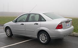 2005 Ford Focus ZX4 SE rear.jpg