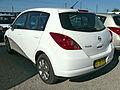 2009 Nissan Tiida (C11 MY07) ST hatchback 02.jpg