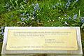 """2011 Wiederaufstellung Sinnsprüche Hinüberscher Garten, Freimaurerloge """"Friedrich zum weißen Pferde"""", LH Hannover Fachbereich Umwelt und Stadtgrün, 01.jpg"""