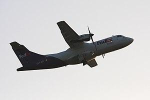 2012-03-15 ATR42 FedEx EI-FXD EDDH 02.jpg