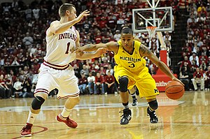 2011–12 Michigan Wolverines men's basketball team - Image: 20120105 Trey Burke drives against Jordan Hulls