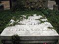 204 Tomba Bertran Montserrat, làpida.jpg