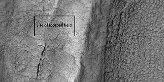 Deuteronilus Mensae - Image: 43899 2265closecrack