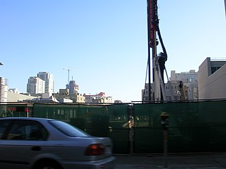 555 Mission Street - Image: 555 Mission Street construction site 2006 12 03