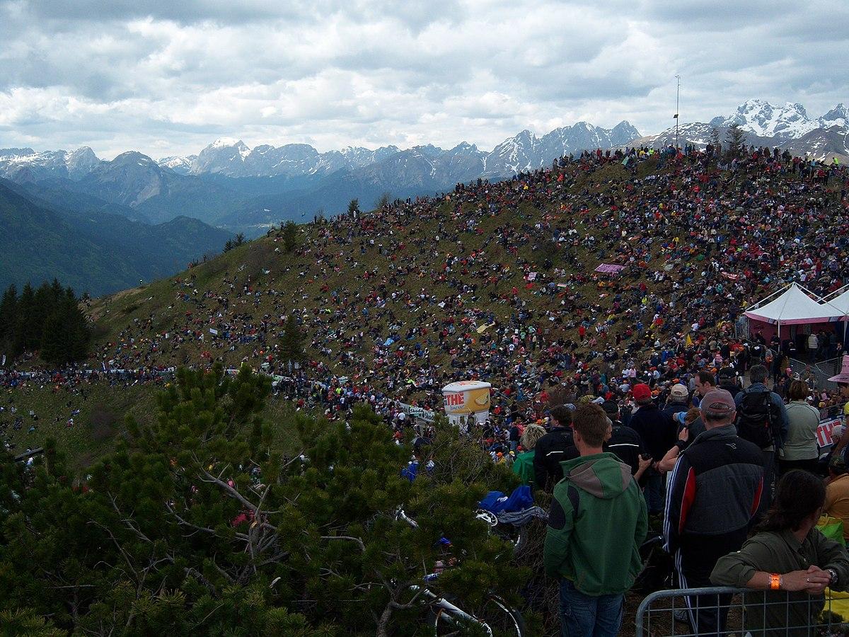 Ambiente en el Zoncolan en el Giro