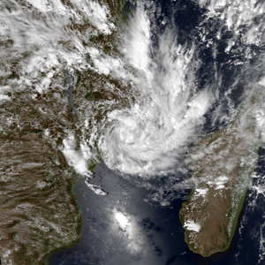 1997–98 South-West Indian Ocean cyclone season - Image: A1 Jan 17 1998 1155Z