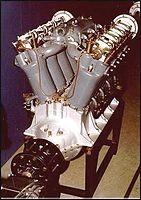 V8发动机