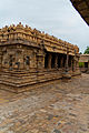 Airavatheeswara Temple at Darasuram 10.jpg