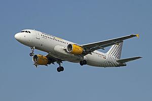 Airbus A320-216 EC-KLT Vueling Airlines.jpg