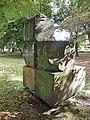 Alsterpark Skulptur aus Steinen (4).jpg