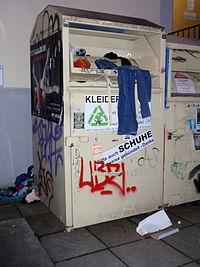 Altkleider-Container, BERA Textilrecycling GmbH, Farbe: gelblich