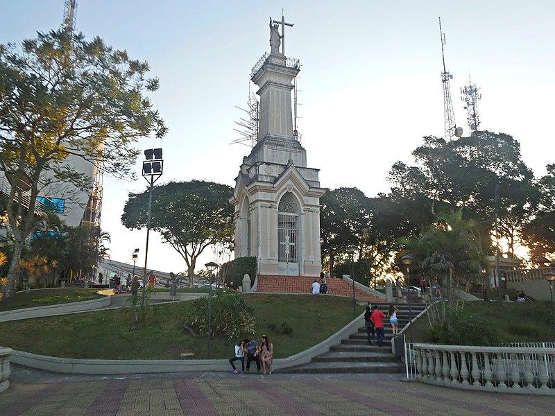 File:Alto do Morro do Imperador, Juiz de Fora MG.JPG