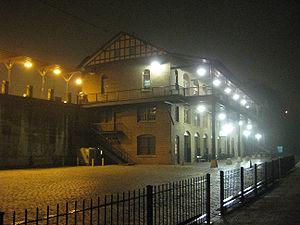 Kemper Street station - Nightime view from station platform