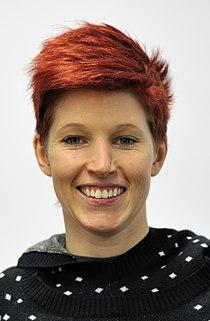 Anja Huber bei der Olympia-Einkleidung Erding 2014 (Martin Rulsch) 03.jpg