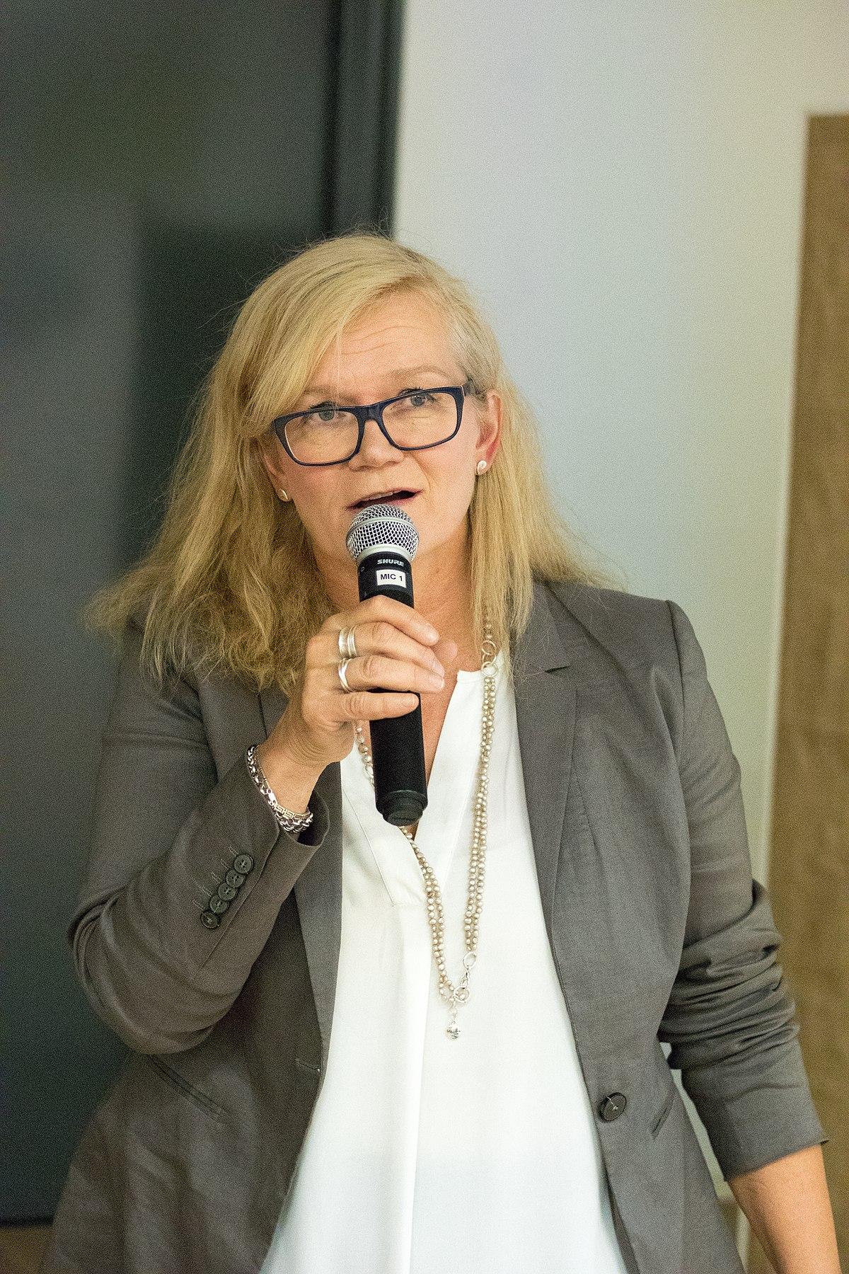 Anne Flinkkilä