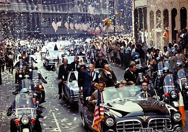 Ticker tape parade in New York City in honor of the Apollo 11 astronauts, August 1969 Apollo 11 ticker tape parade 1.jpg