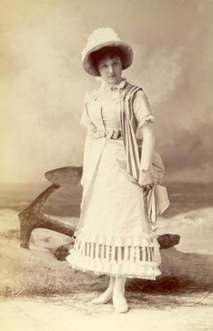 Alice Burville - Burville as Arabella in Billee Taylor