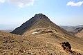 Aragac, severní sedlo (3 800 m) - panoramio.jpg