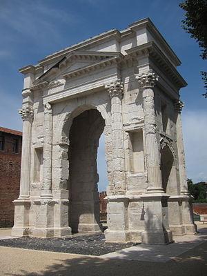 Lucius Vitruvius Cerdo - Arco dei Gavi (Verona)