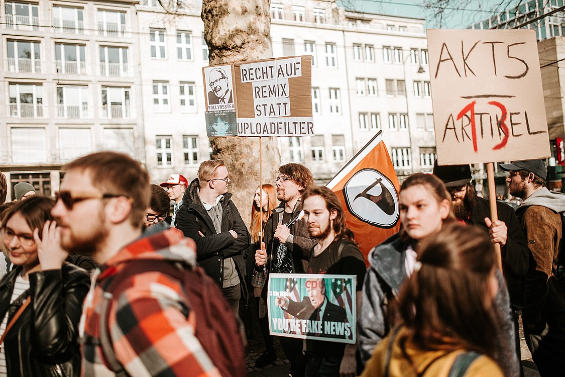 Artikel 13 Demonstration Köln 2019-02-16 012.jpg