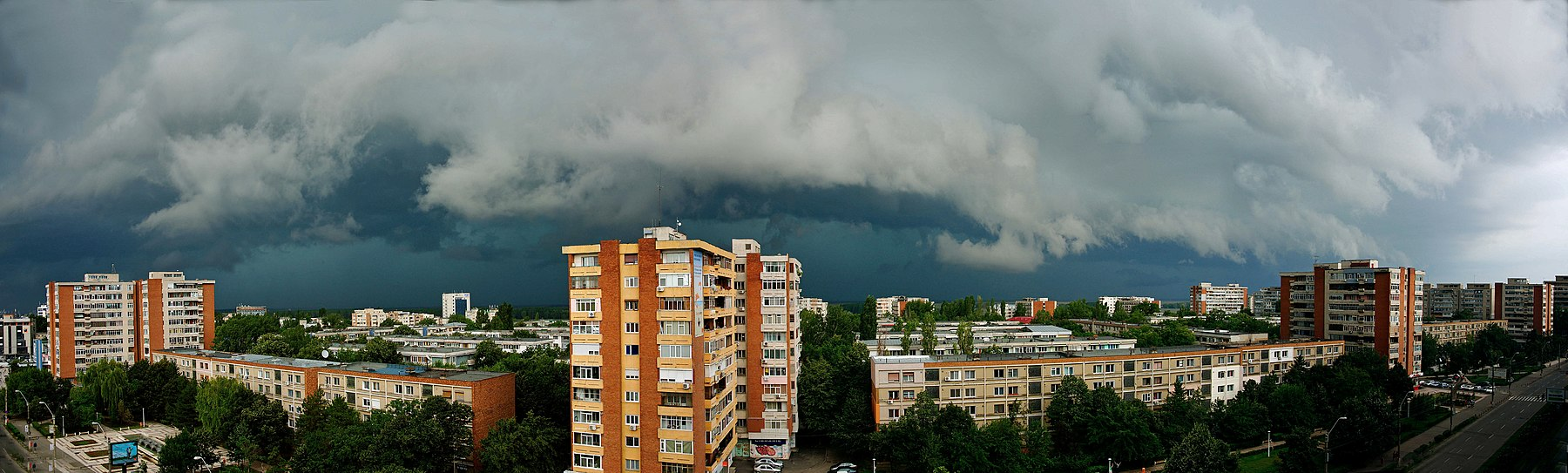 "Attention^^^ ""PANORAMA with storm clouds from GALATI"" - 3 photos - PANORAMA cu nori de furtuna la GALATI - panoramio.jpg"