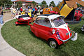 BMW Isetta 300 Deluxe 1958 RSideFront LakeMirrorClassic 17Oct09 (14414107497).jpg