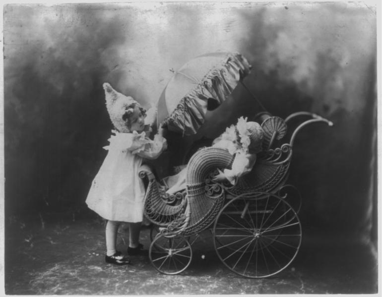 Старинные детские коляски.18-20 век.