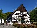 Bad Sassendorf – Kurpark - Hof Hueck - panoramio.jpg