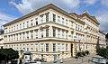 Baden_bei_Wien_-_Volksschule_Pfarrplatz_1-3.JPG
