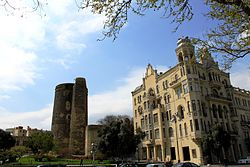 Baku Maiden Tower & Neftchiler Avenue 2010.jpg