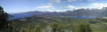 Vista do Lago Nahuel Huapi próximo à cidade de Bariloche.