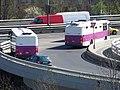 Barrandovský most, porouchaný autobus Vězeňské služby, po přestupu.jpg