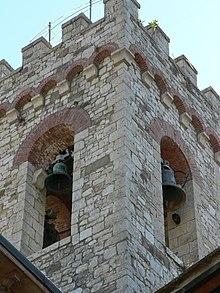 Resultado de imagen de torre con campana y cuerda