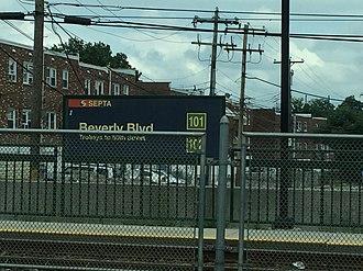 Beverly Boulevard station - Beverly Blvd station