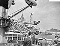 Bevrijdingsfeest in Amsterdam, kermis op de Nieuwmarkt, Bestanddeelnr 909-5397.jpg