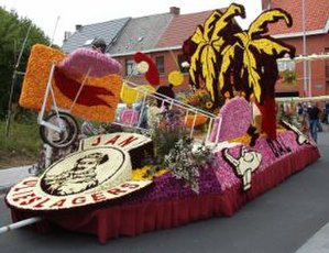 Bloemencorso - Float in flower parade in Sint-Gillis-bij-Dendermonde