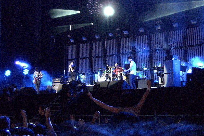 File:Blur Concert Hyde Park 3 July 2009 (07).jpg