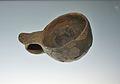 Bol de forma semiesfèrica, vora recta i llavi convex, museu de la Ciutat d'Alacant.JPG