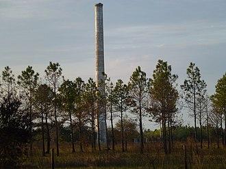 Brewster, Florida - Image: Brewster Florida Smokestack in 2012 from Old Highway 37