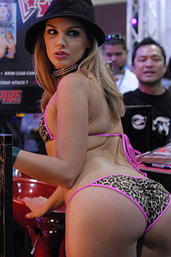 Brianna Love at Adult Entertainment Expo 2008 2.jpg