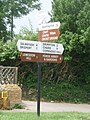 Broadwindsor, Cross Keys signpost - geograph.org.uk - 1383085.jpg